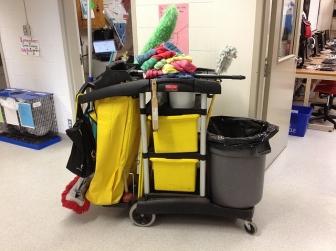 Maszyny sprzątające- jak wybrać odpowiednią?